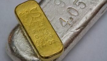Gold und Silberbarren
